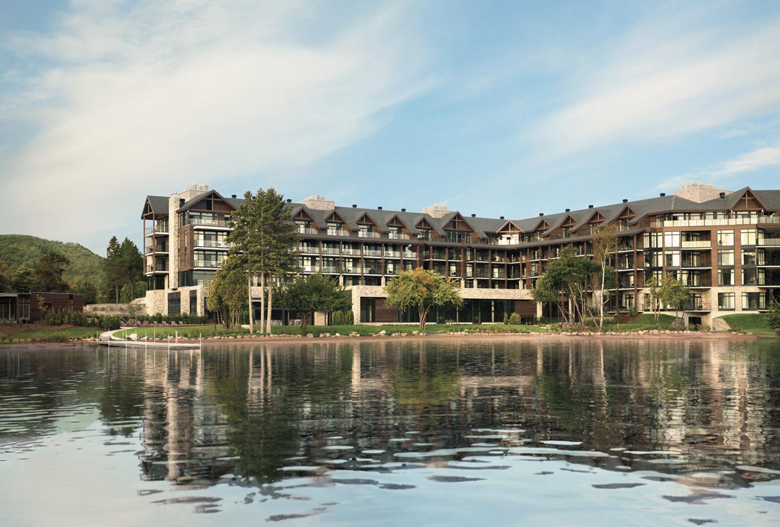 Entourage sur le lac resort